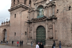 Walking and shopping in Cusco