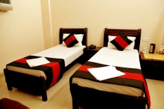 delux_room_with_twin_bed